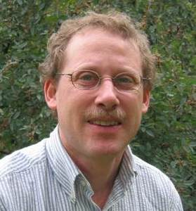Daniel Kaplan Headshot